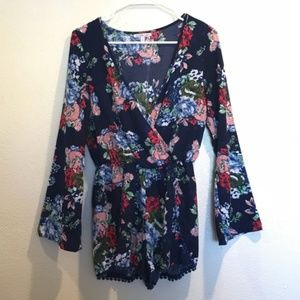 Charlotte Russe | Floral Long Sleeved Romper Small